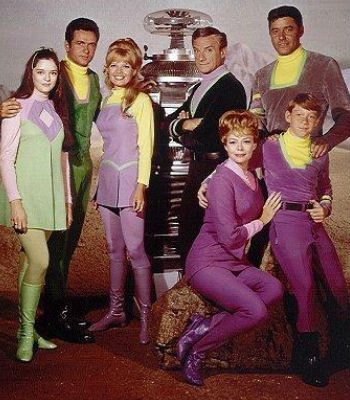 The cast of Lost in Space (image via Wikipedia (c) 20th Century Fox Television)